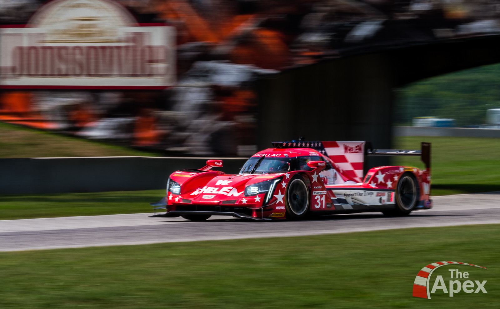 Whelen Cadillac DPi enters carousel at Road America