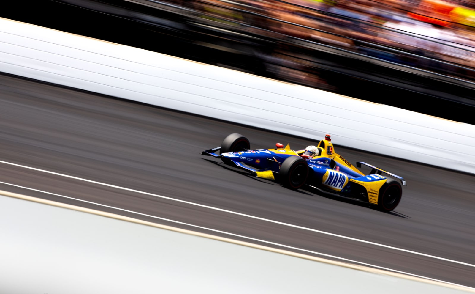 Alexander Rossi laps IMS in 2019 Indy 500 race