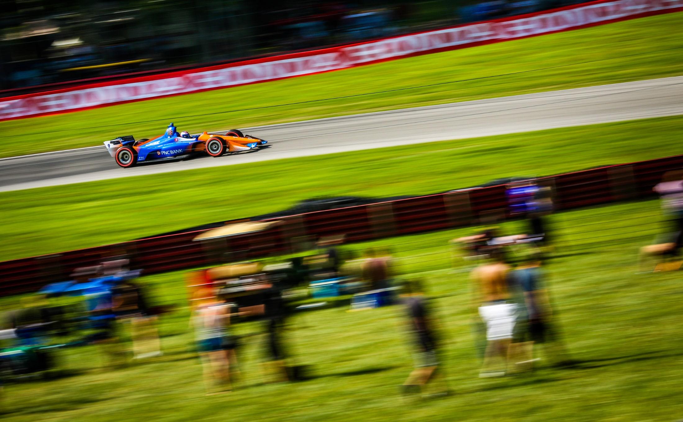 Scott Dixon in PNC Bank Ganassi Indy car in 2019 Mid-Ohio race