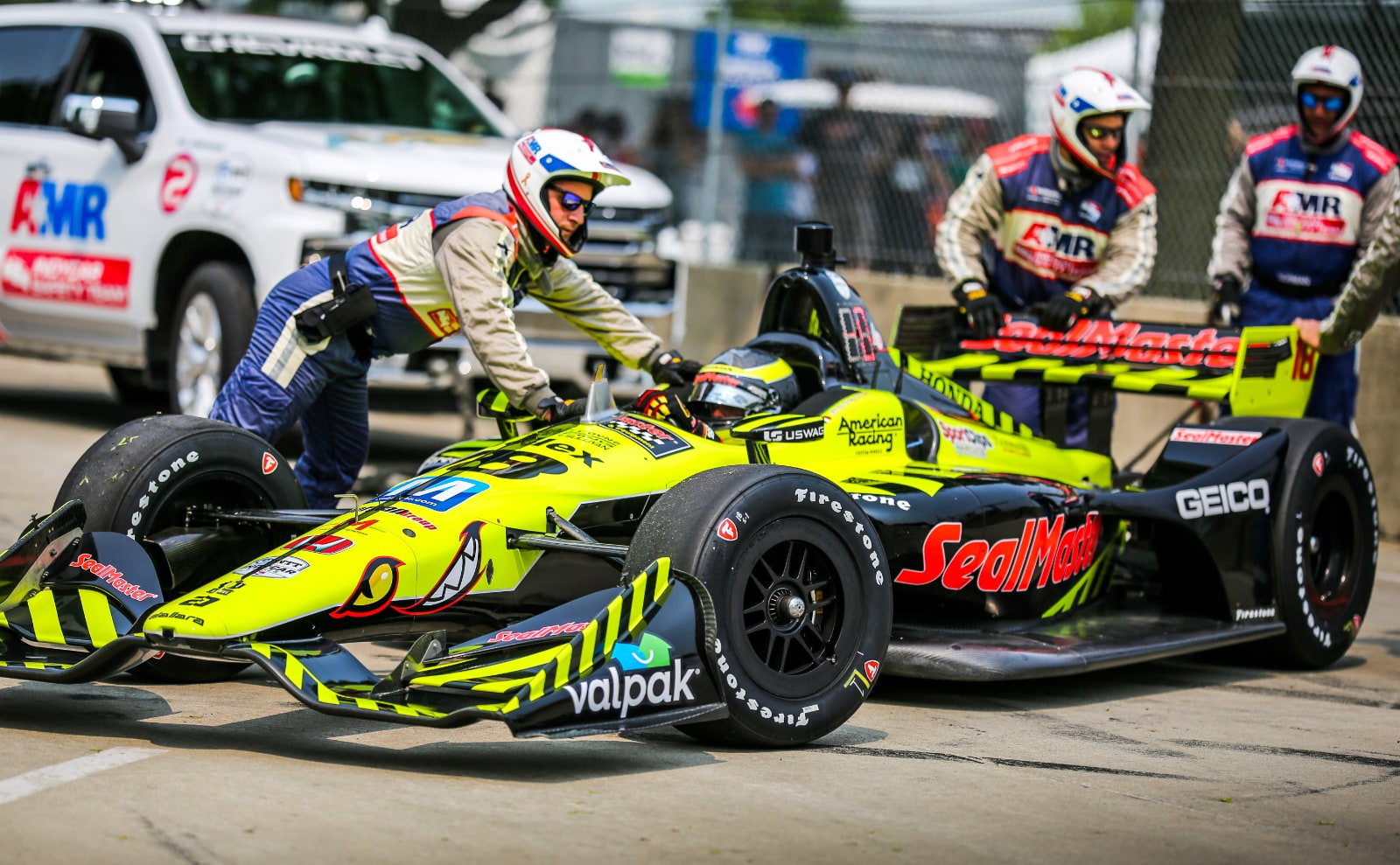 AMR INDYCAR Safety Team assists Bourdais in Detroit