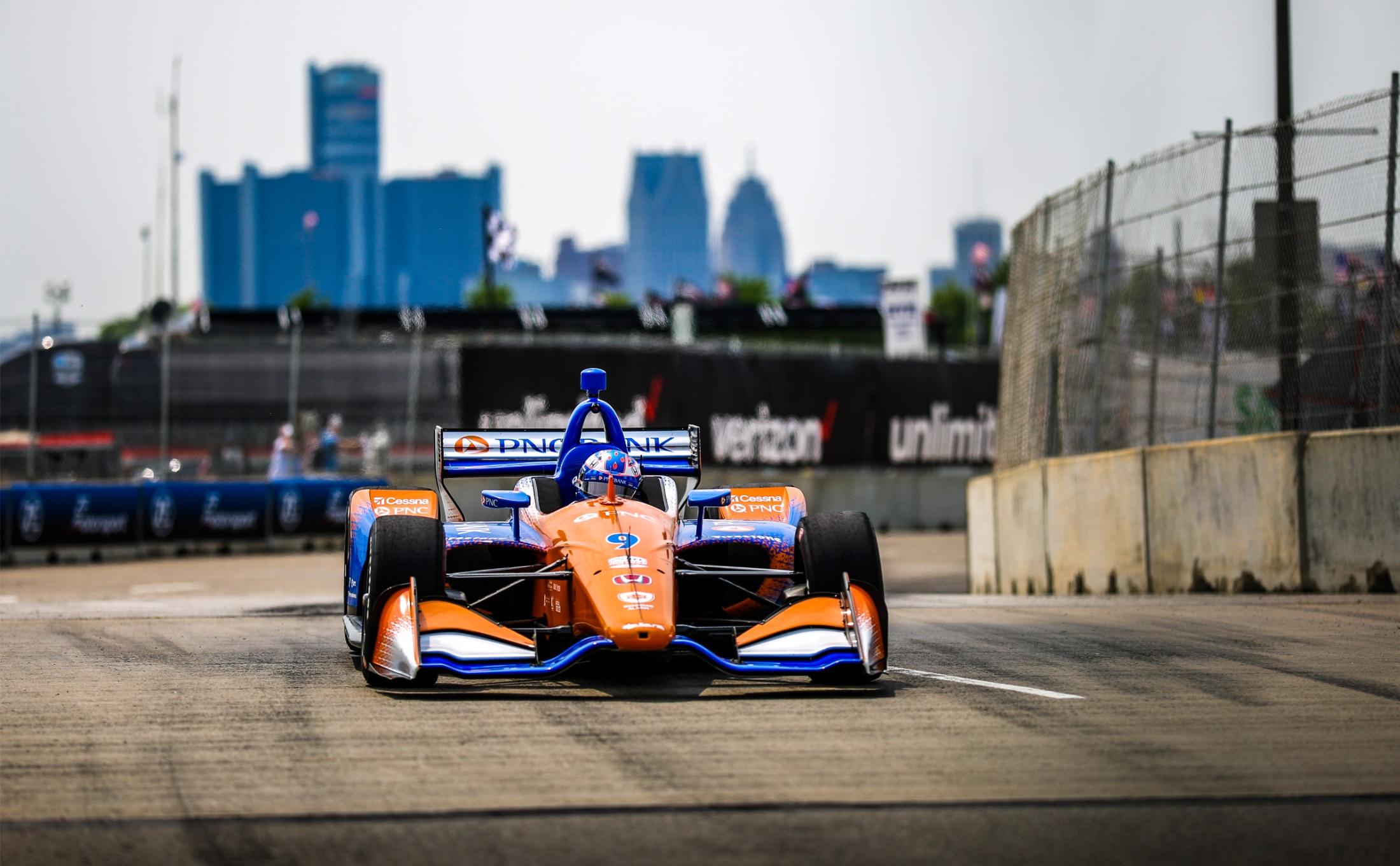 Scott Dixon races 2019 Chevrolet Detroit Grand Prix in Honda Indy car